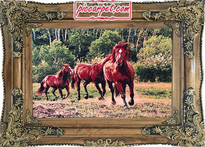 تابلوفرش اسب با قاب چوبی قهوهای