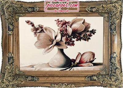 تابلوفرش طرح گل و گلدان با قاب چوبی قهوهای