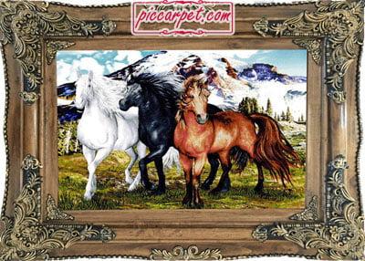 تابلوفرش طرح 3 اسب با قاب چوبی قهوهای