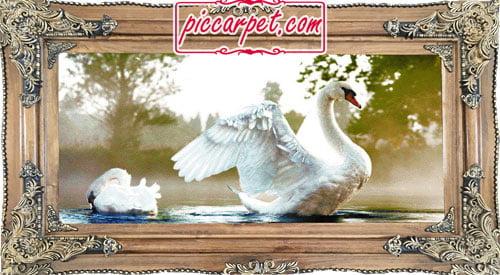 تابلو فرش طرح اردک با قاب چوبی قهوهای