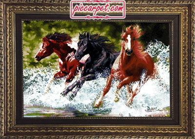 تابلو فرش اسب های وحشی با قاب پروفیلی