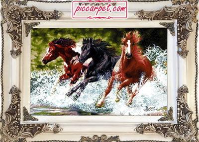 تابلو فرش اسب های وحشی با قاب چوبی