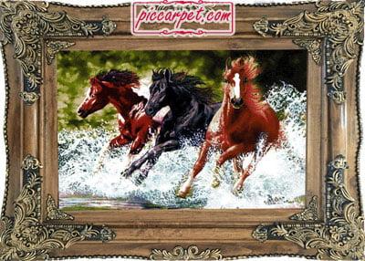 تابلوفرش طرح 3 اسب وحشی با قاب چوبی قهوهای